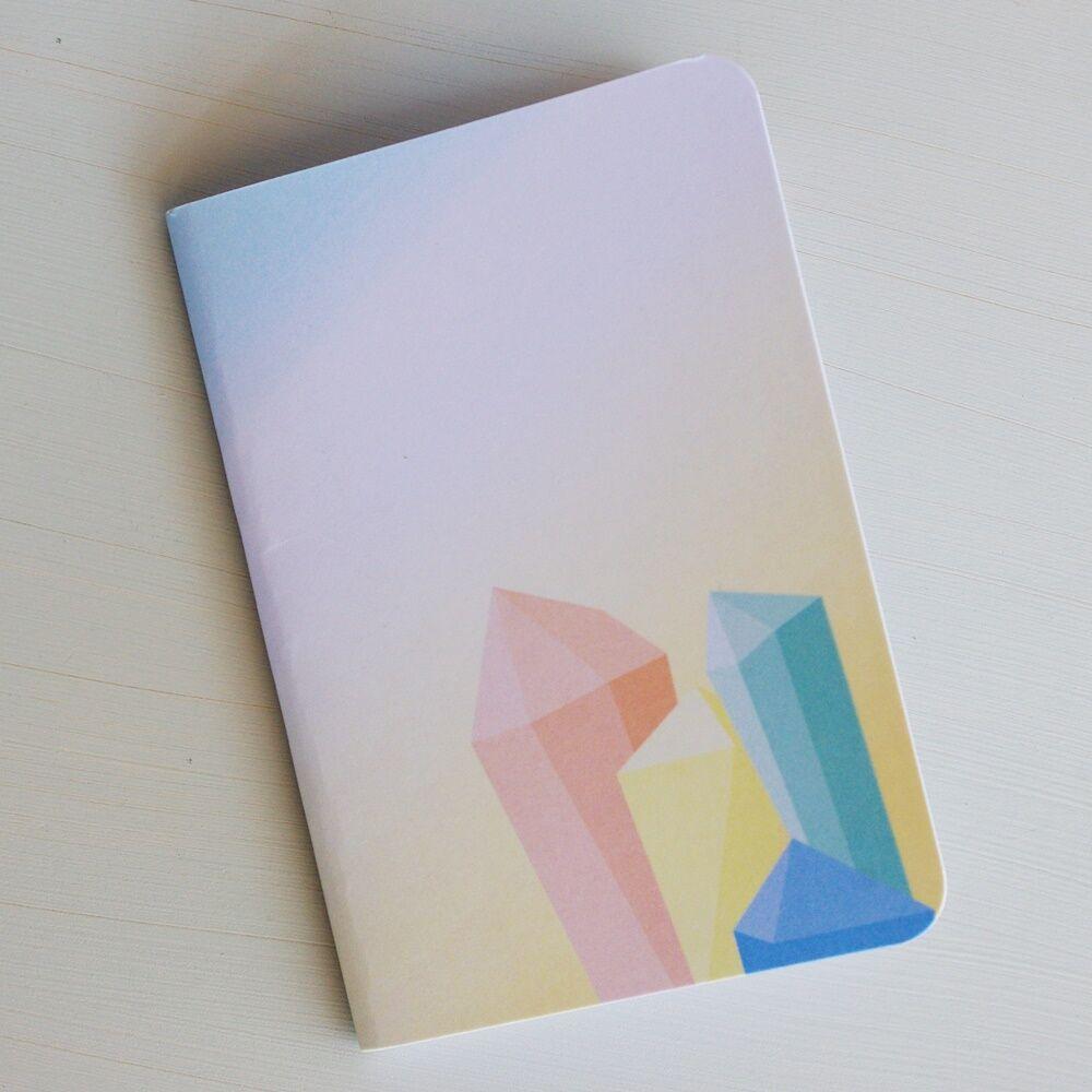 Kristályos füzet - kristály mintával