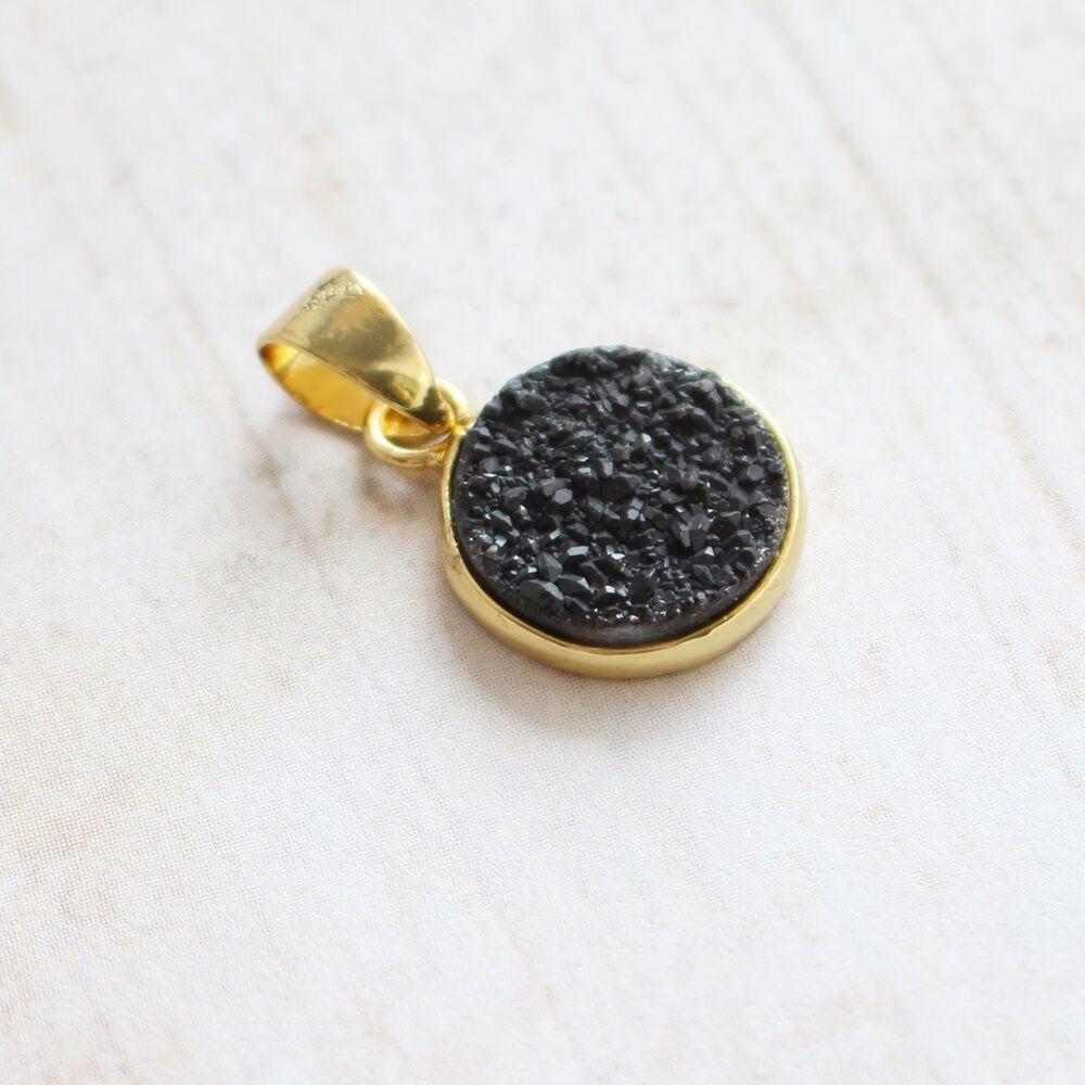 Csiszolatlan pötty medál - fekete