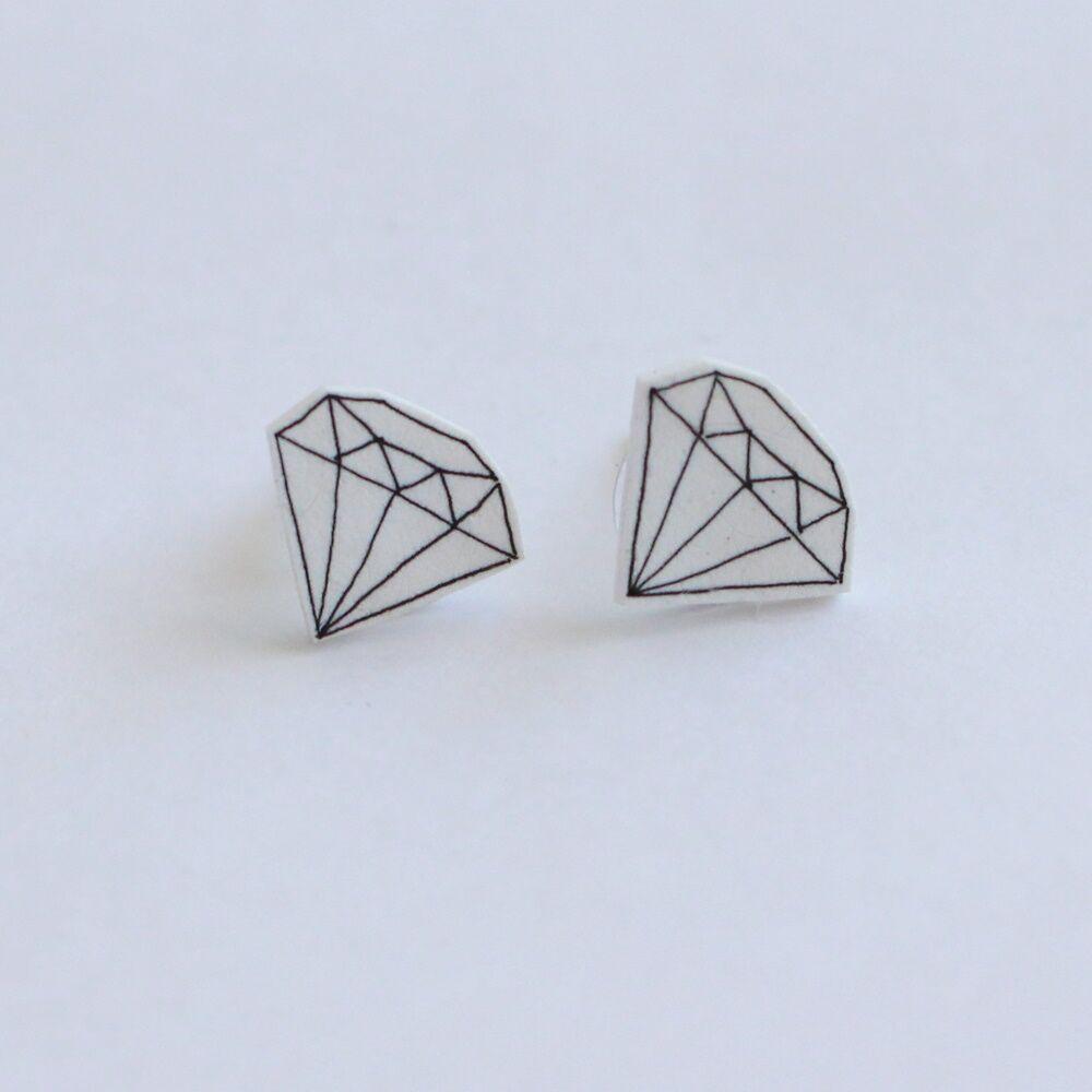 Gyémánt alakú fülbevaló