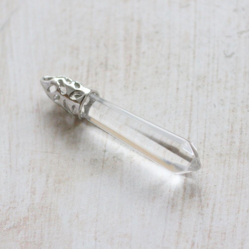 Varázspálca alakú üvegmedál