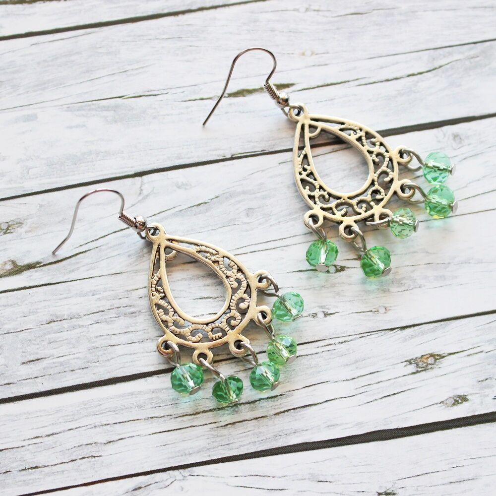 Üveggyöngyös cseppfülbevaló - zöld