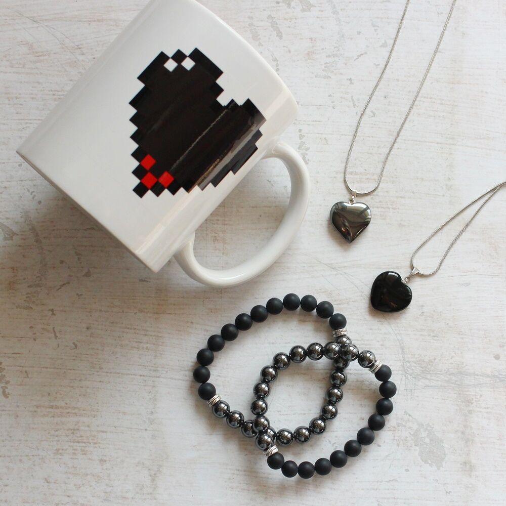Fekete szívek ásványos ajándékcsomag onixszal és hematittal