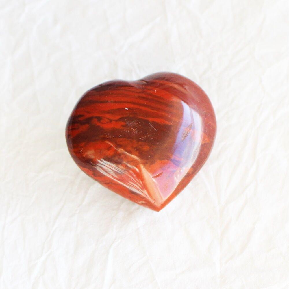 Piros jáspis szív marokkő
