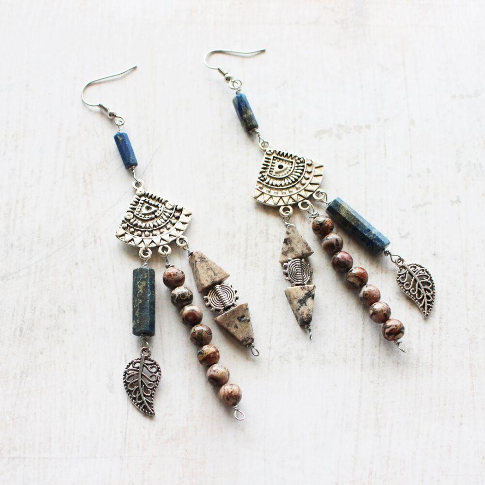 Bohém ásványos fülbevaló lapis lazulival