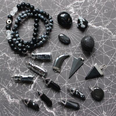 a1eb4f4e4fd Ásványok színek szerint: fekete kövek
